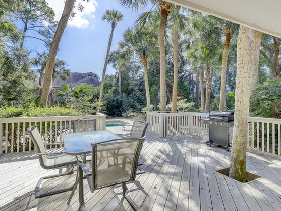 Hilton Head pet-friendly vacation rental back deck with grill and table