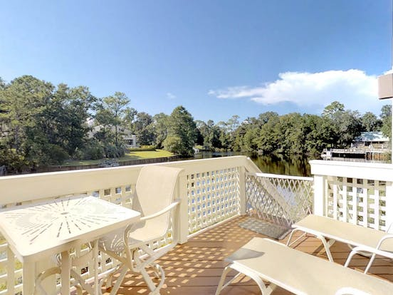 Hilton Head pet-friendly vacation rental back deck overlooking the water
