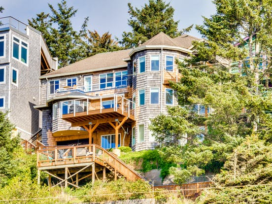 large beach house rental on the oregon coast