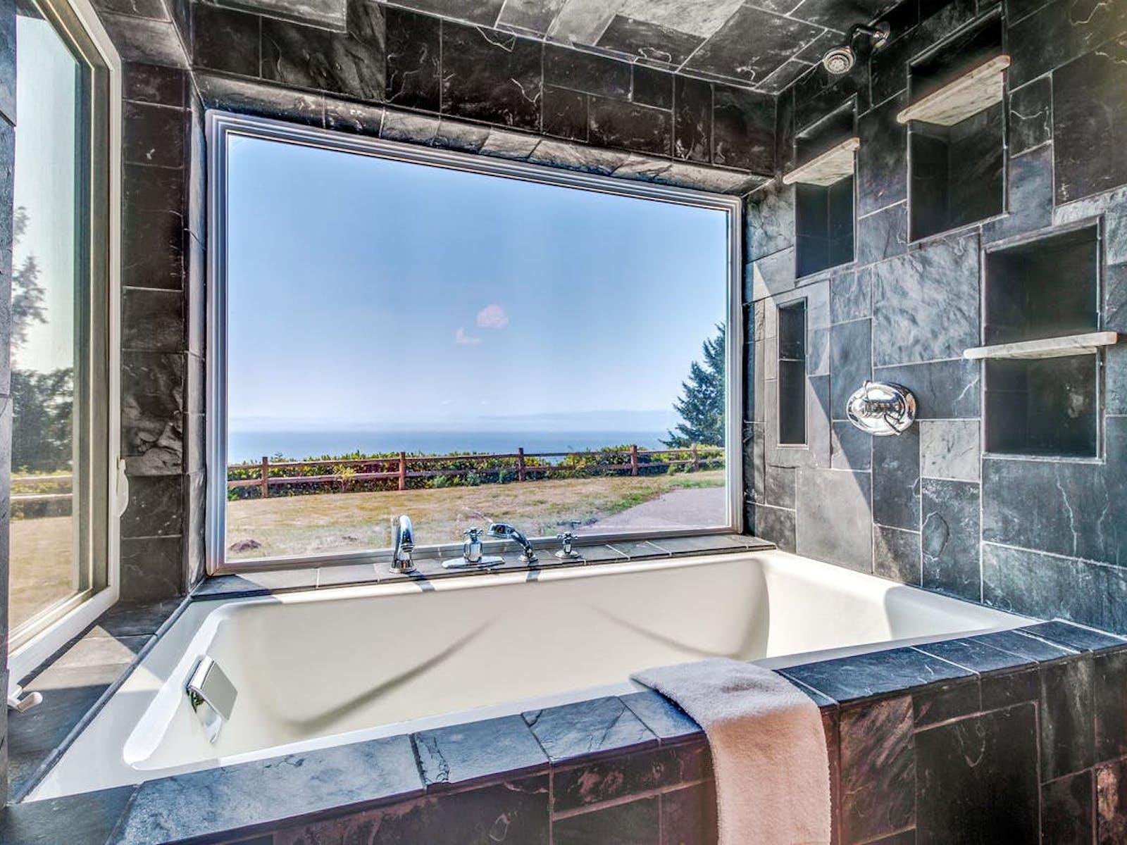 cast iron bathtub of neahkahnie, OR vacation rental