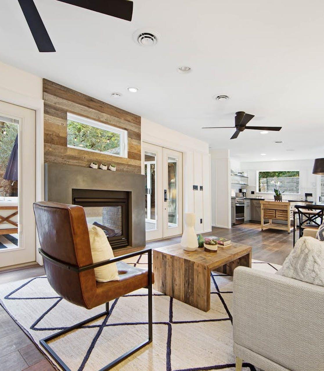 living room of Glen Ellen, CA vacation rental