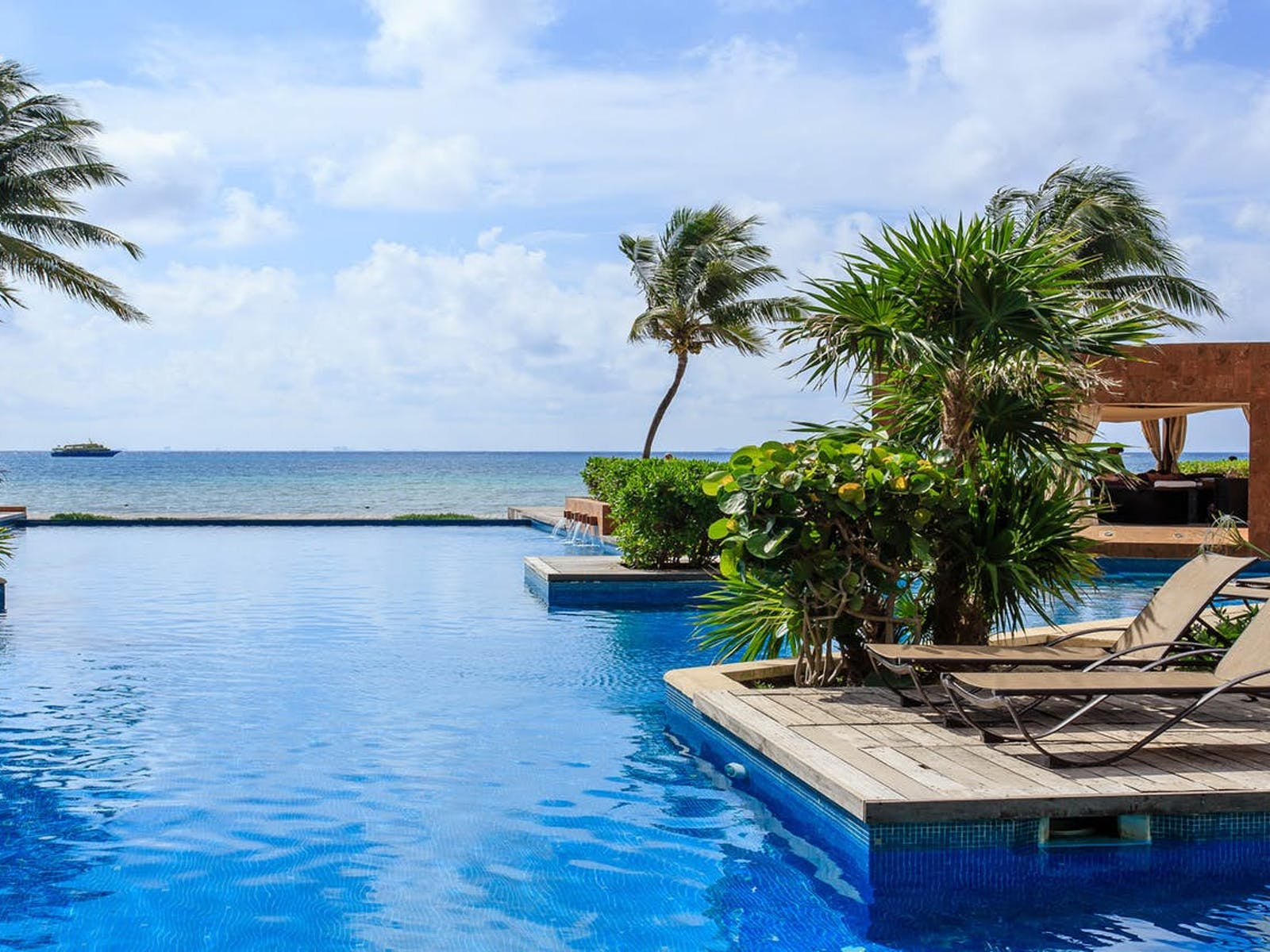 Playa del Carmen, Mexico vacation rental with oceanfront pool