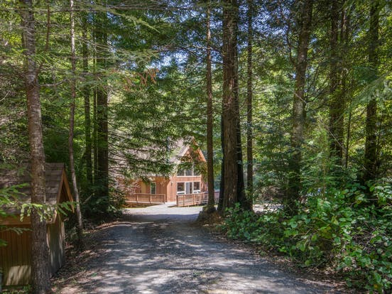 Secluded cabin rental and shed in Mendocino, California