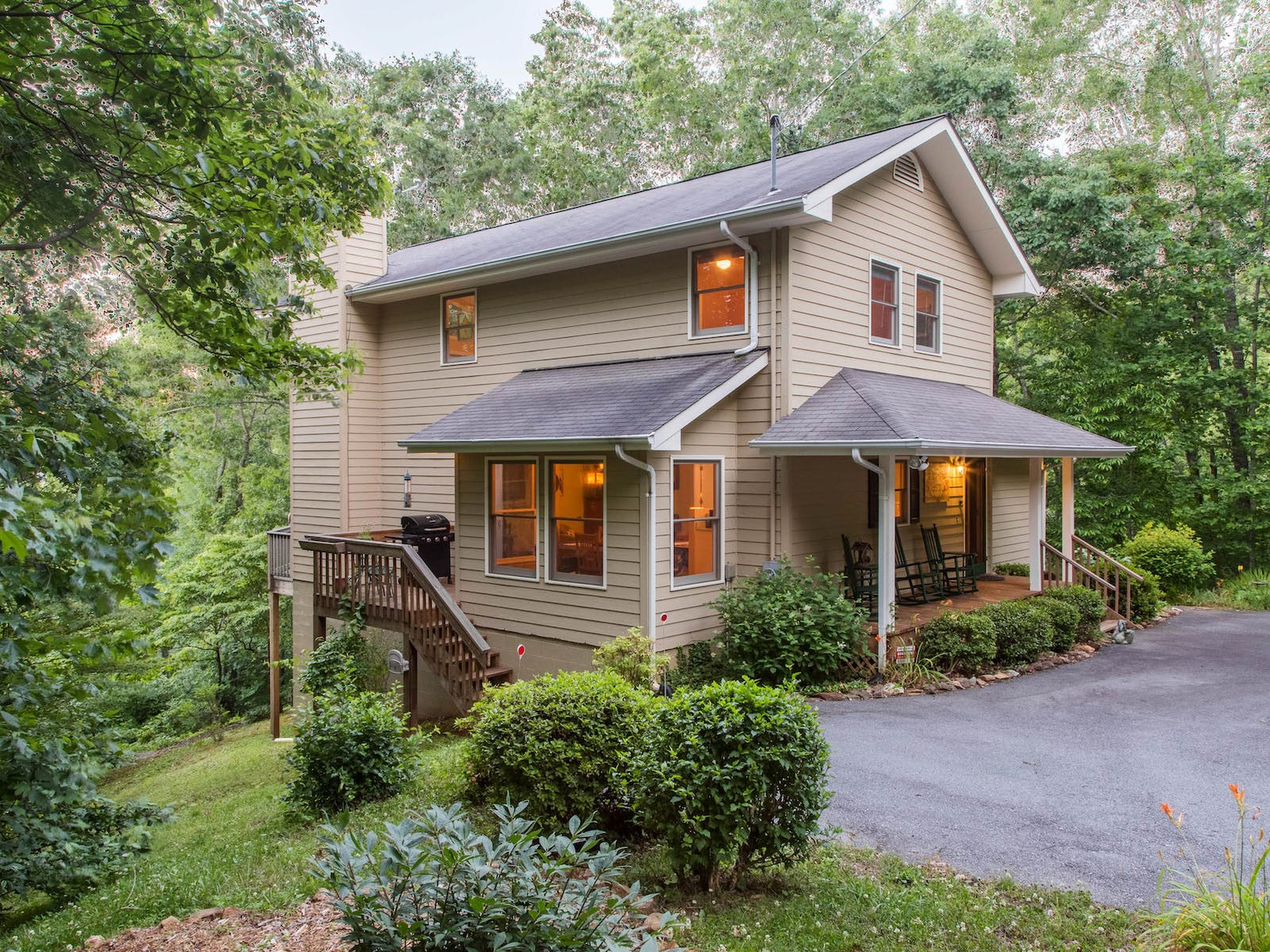 Vacation rental in Sylva, NC surrounded by woods
