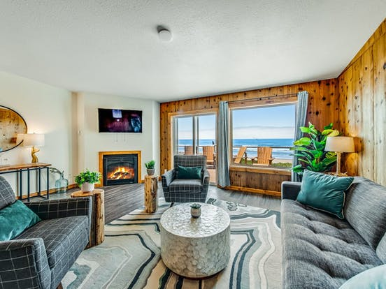 adorable Waldport, OR beach rental with fireplace and beautiful ocean views