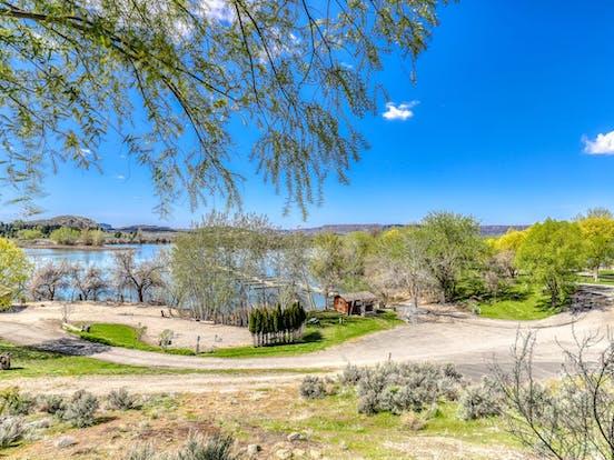 view of Banks Lake from Sunbanks Resort vacation rental