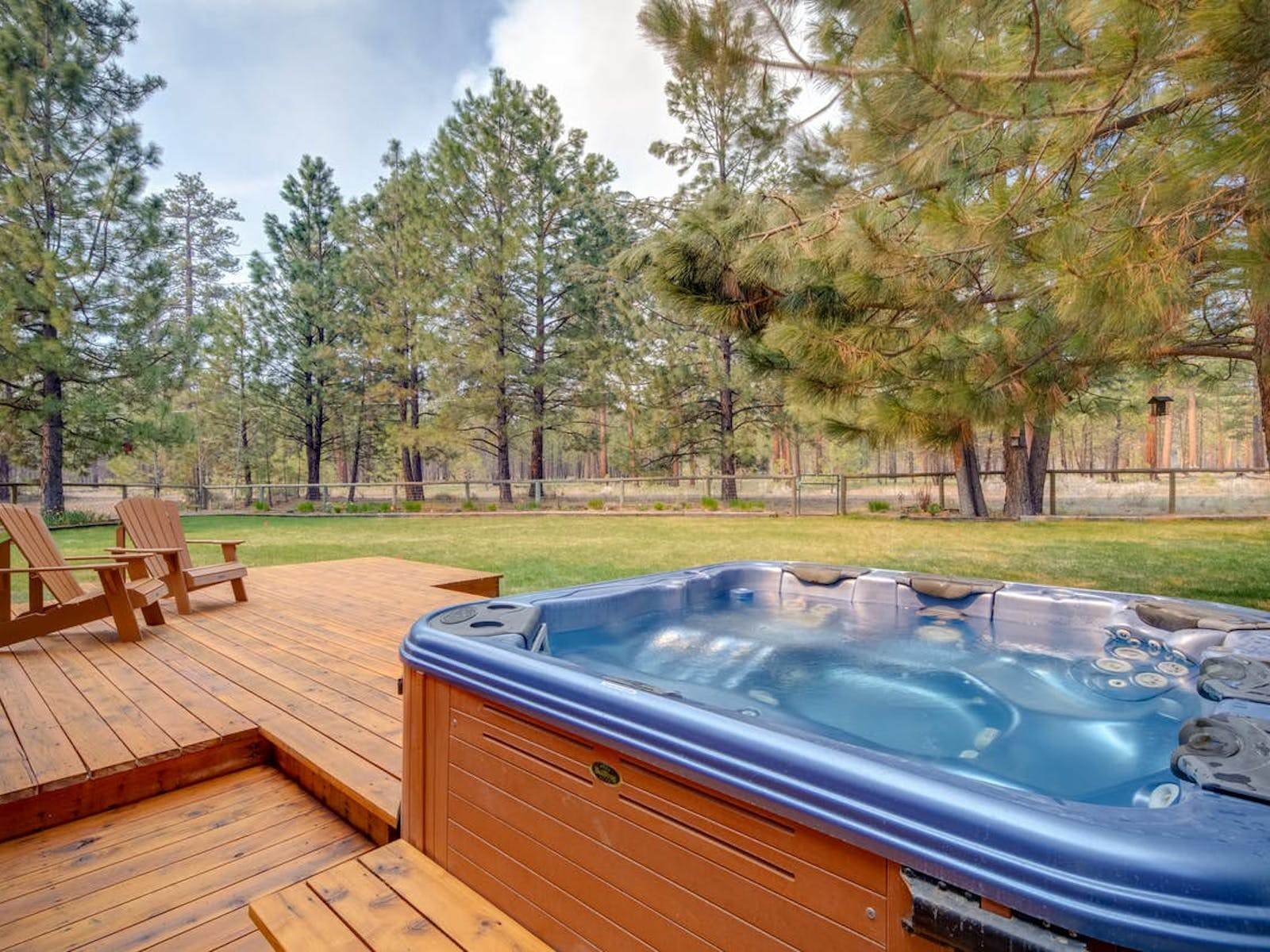 outdoor hot tub in sisters, or