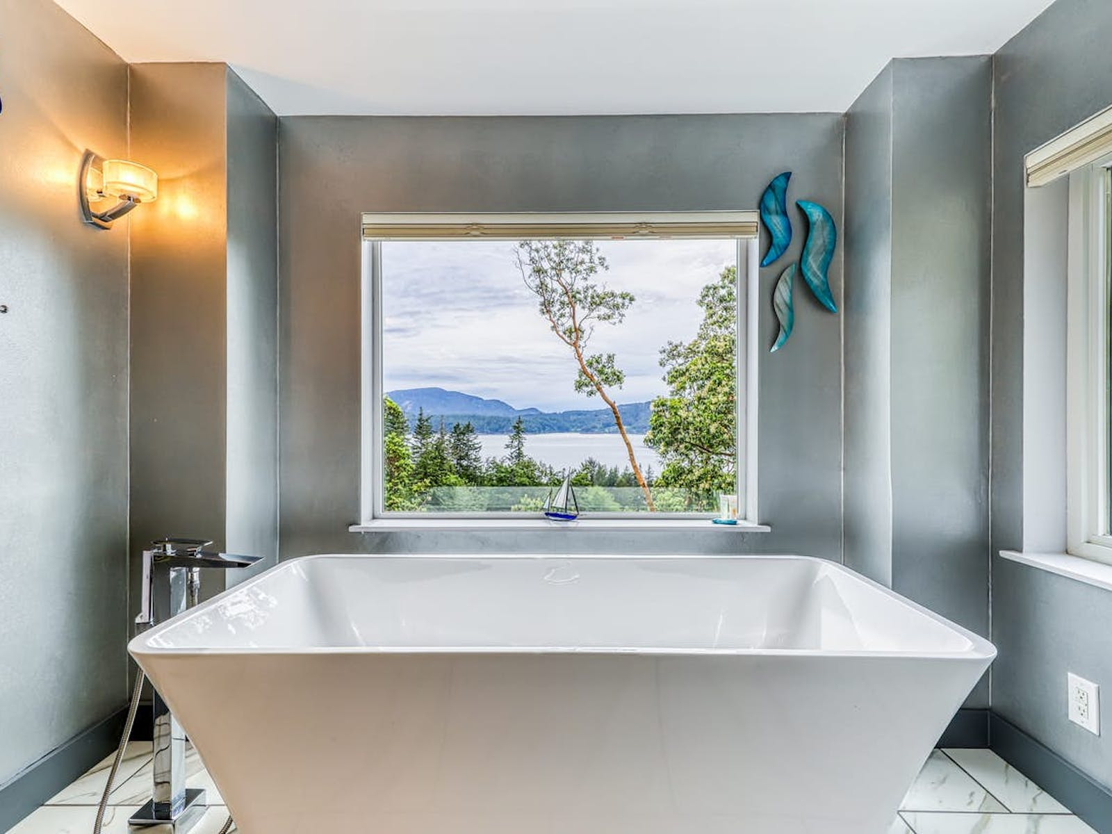 angular bathtub offers stunning views of the Puget Sound