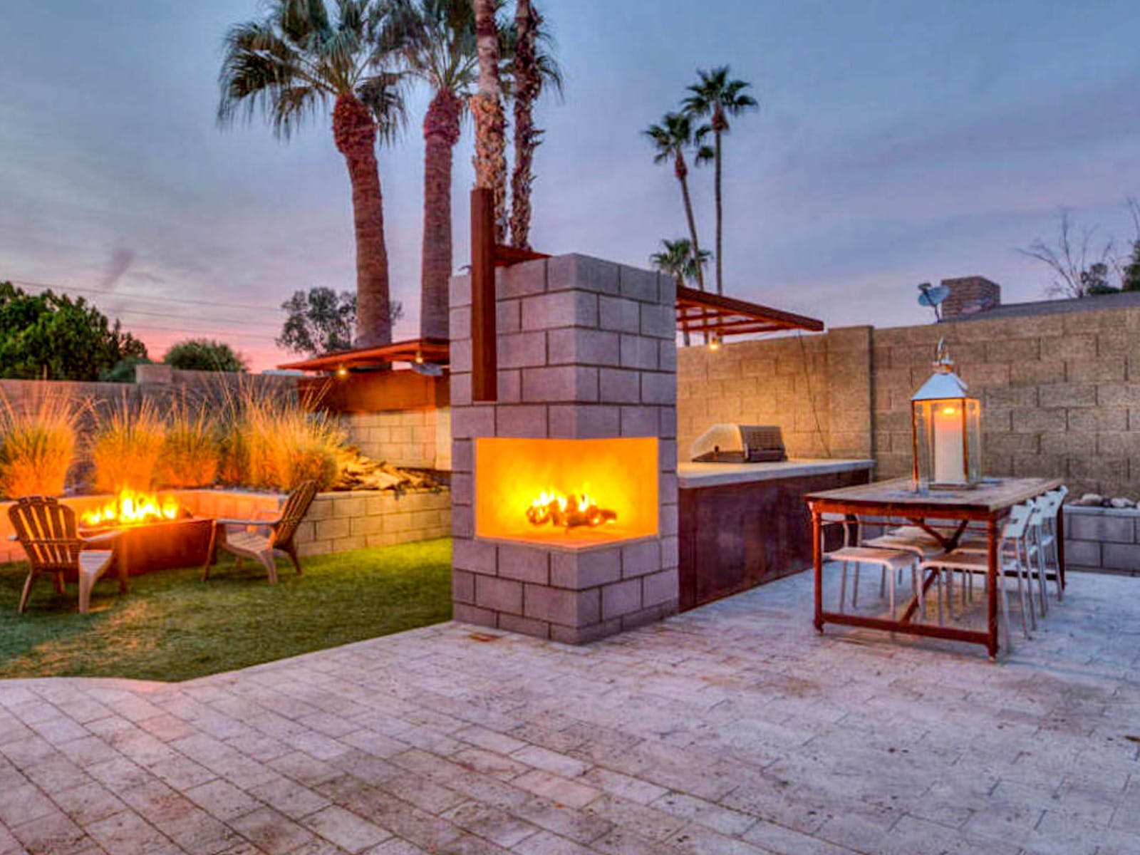 vacation rental in Arizona with gas grill and wood-fired pizza oven