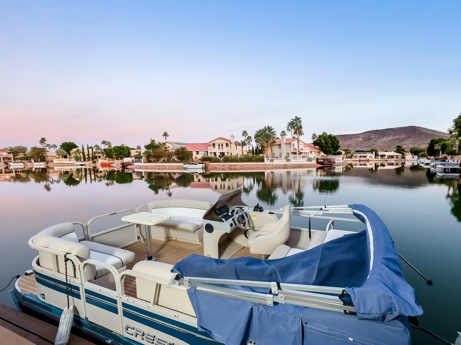 vacation rental with pontoon boat in Glendale, AZ