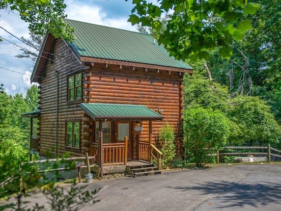 Pet-friendly cabin in Gatlinburg, TN