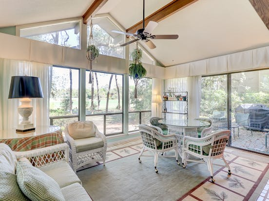 Hilton Head pet-friendly vacation rental living area