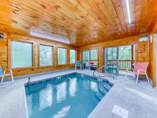 Sevierville, TN cabin with a private indoor pool
