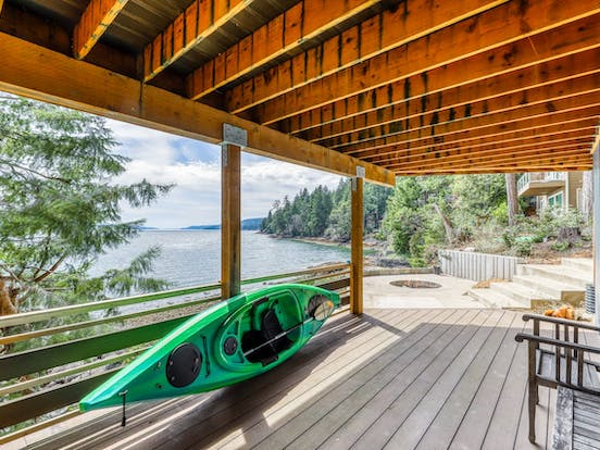 vacation rental with kayak at waterfront vacation rental in puget sound