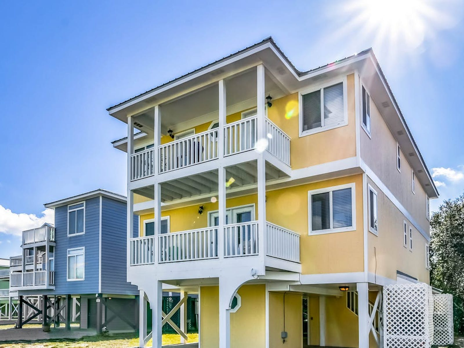 Yellow beach house rental located in Gulf Shores, AL