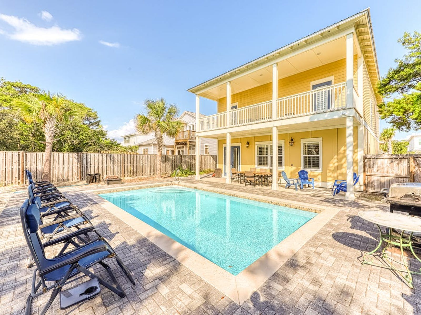 Destin vacation rental with outdoor pool