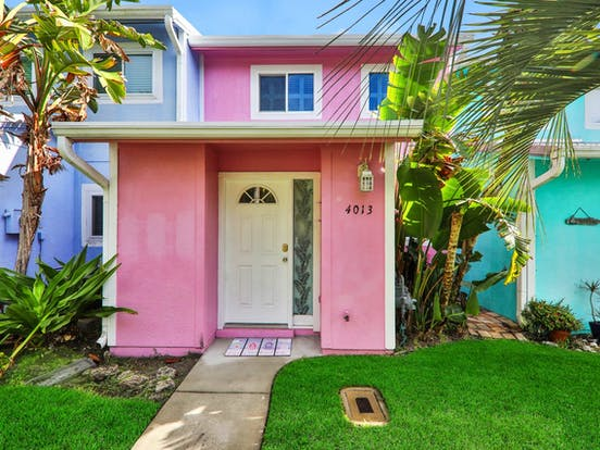 colorful New Smyrna Beach vacation rentals