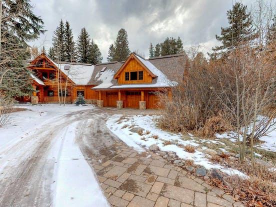 Riverfront cabin in Colorado