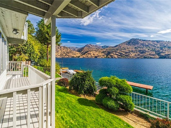 lake chelan waterfront vacation home with amazing lake views