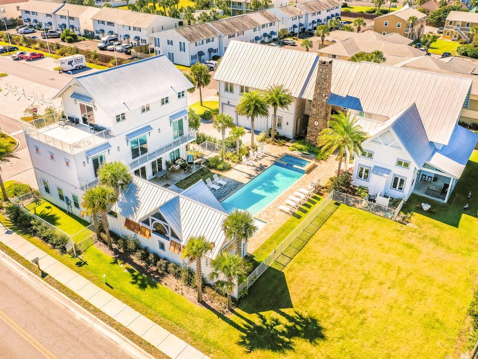 Miramar Beach, FL exterior of event home rental