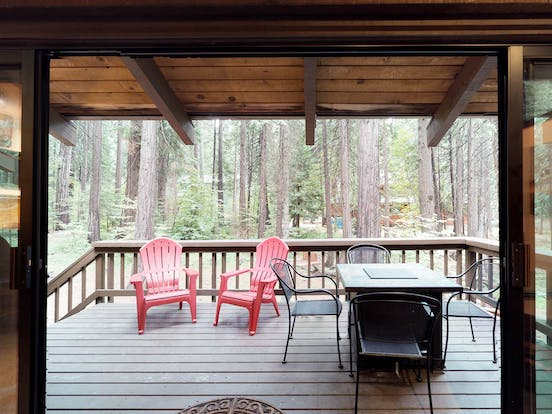 Secluded cabin rental patio in California