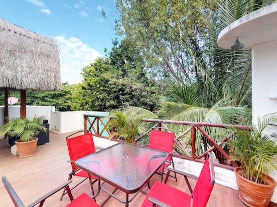 Vacation rental outdoor patio