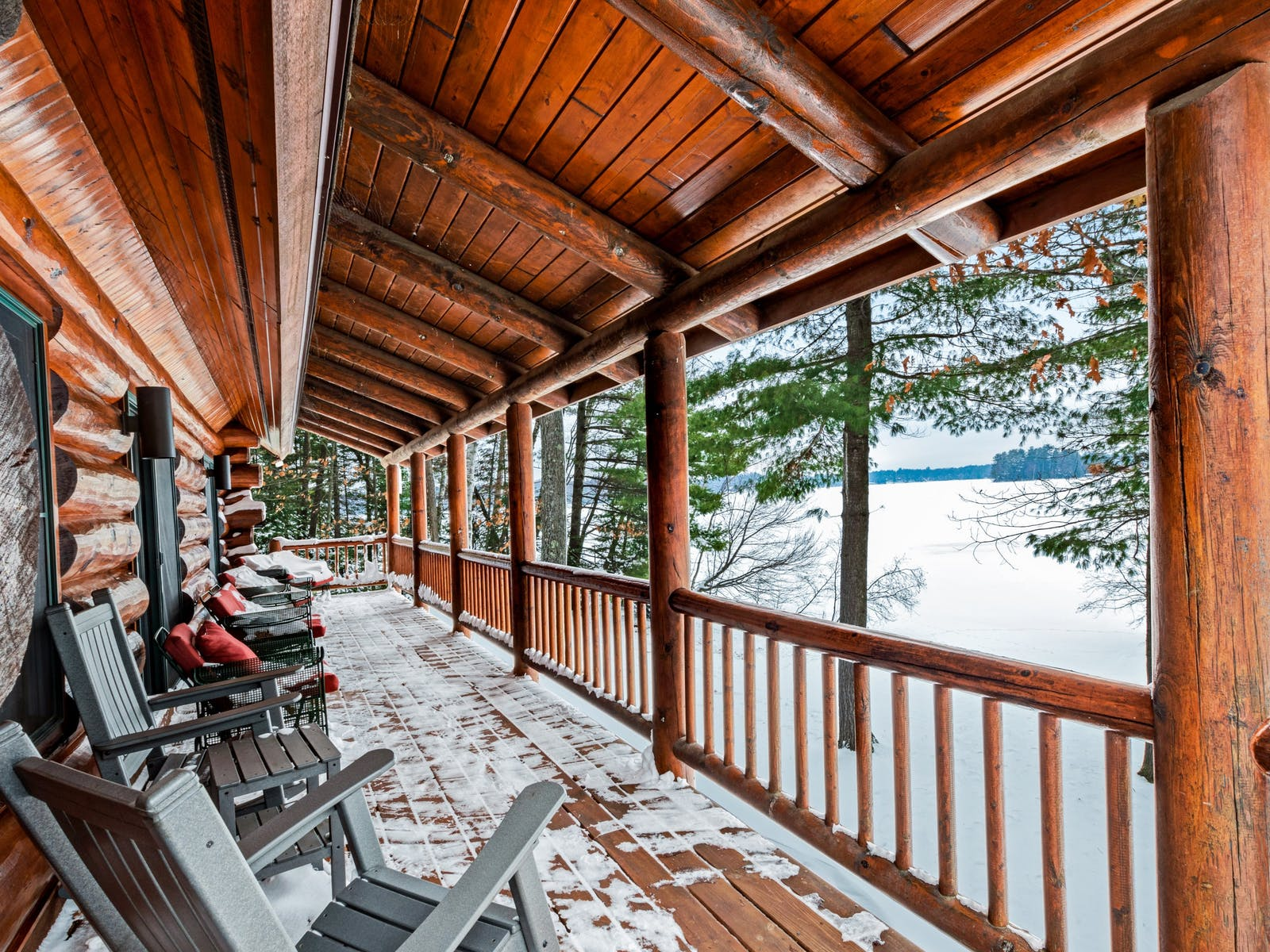 Large deck with ample seating in Eagle River, WI