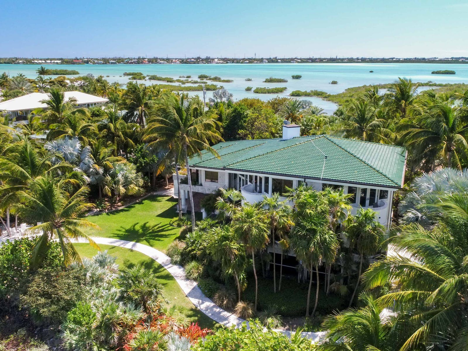 luxury homes on the water in the florida keys