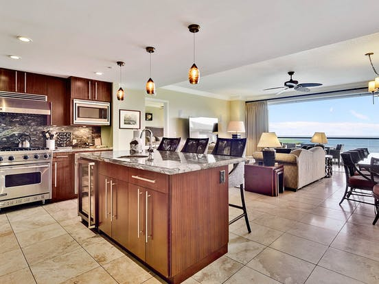 kitchen of hawaii vacation condo