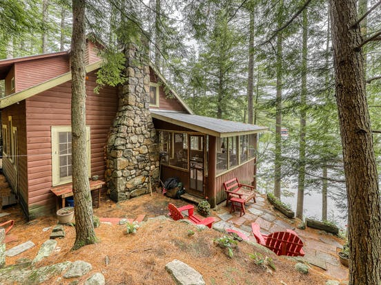 dog-friendly lake cabin located in chestertown, ny