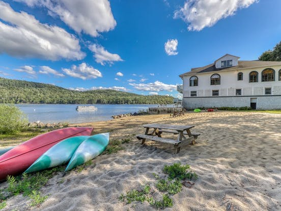 Vacation rental right on Schroon Lake with kayaks