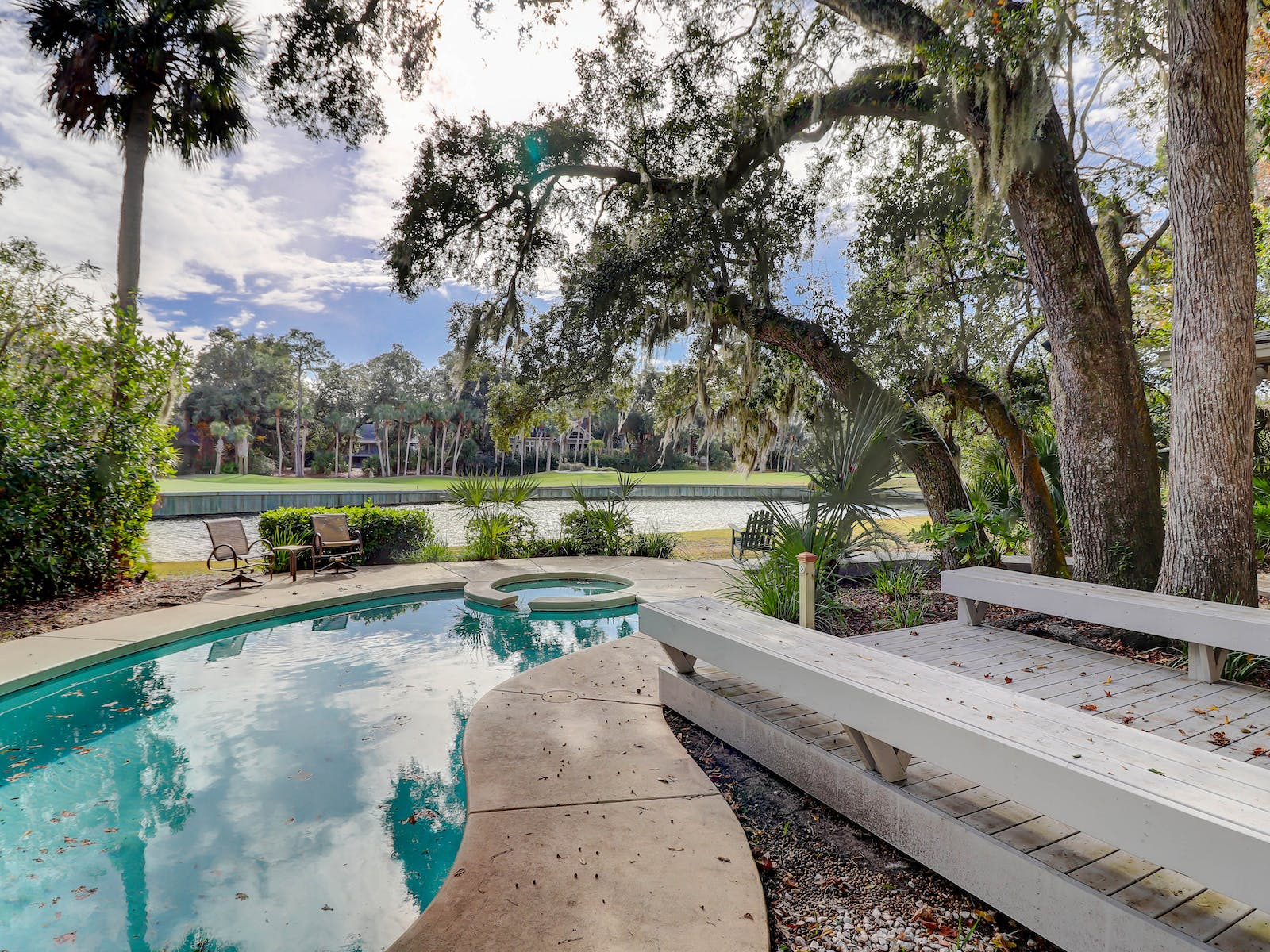 Hilton Head pet-friendly vacation rental outdoor pool