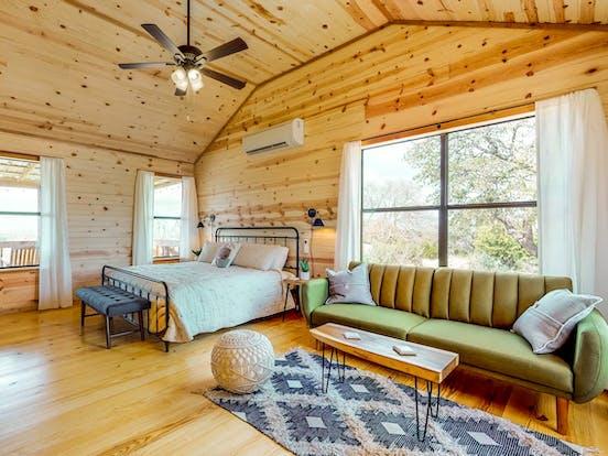 Vacation Rental bedroom in Fredericksburg, TX