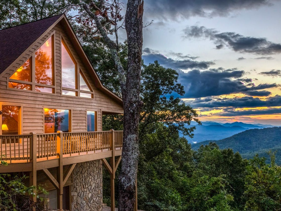 Vacation cabin rental in the North Carolina mountains