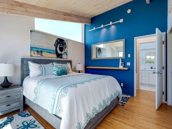 waldport, or bedroom in a blue hue