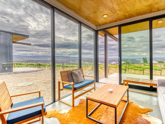Quincy, WA vacation rental with floor to ceiling windows