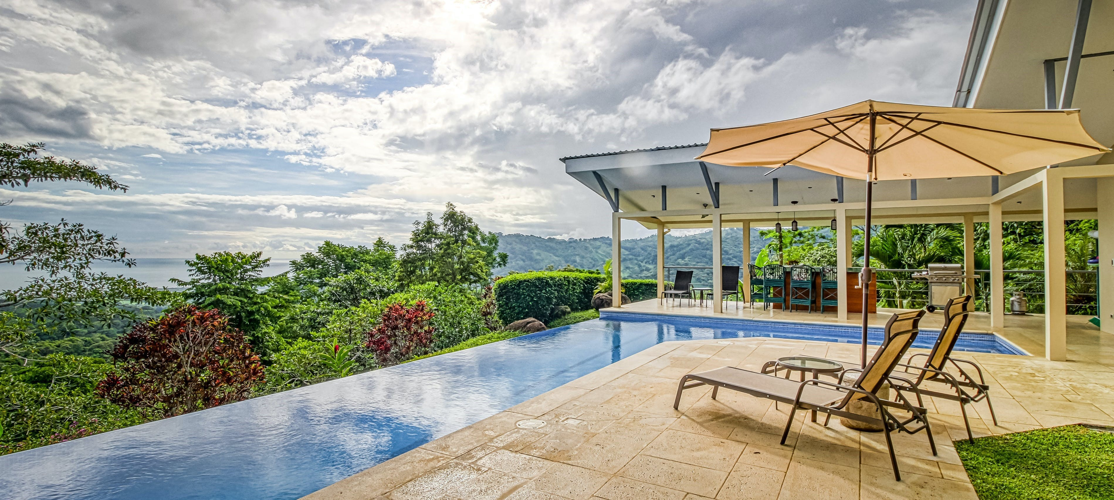 backyard infinity pool of costa rica vacation home