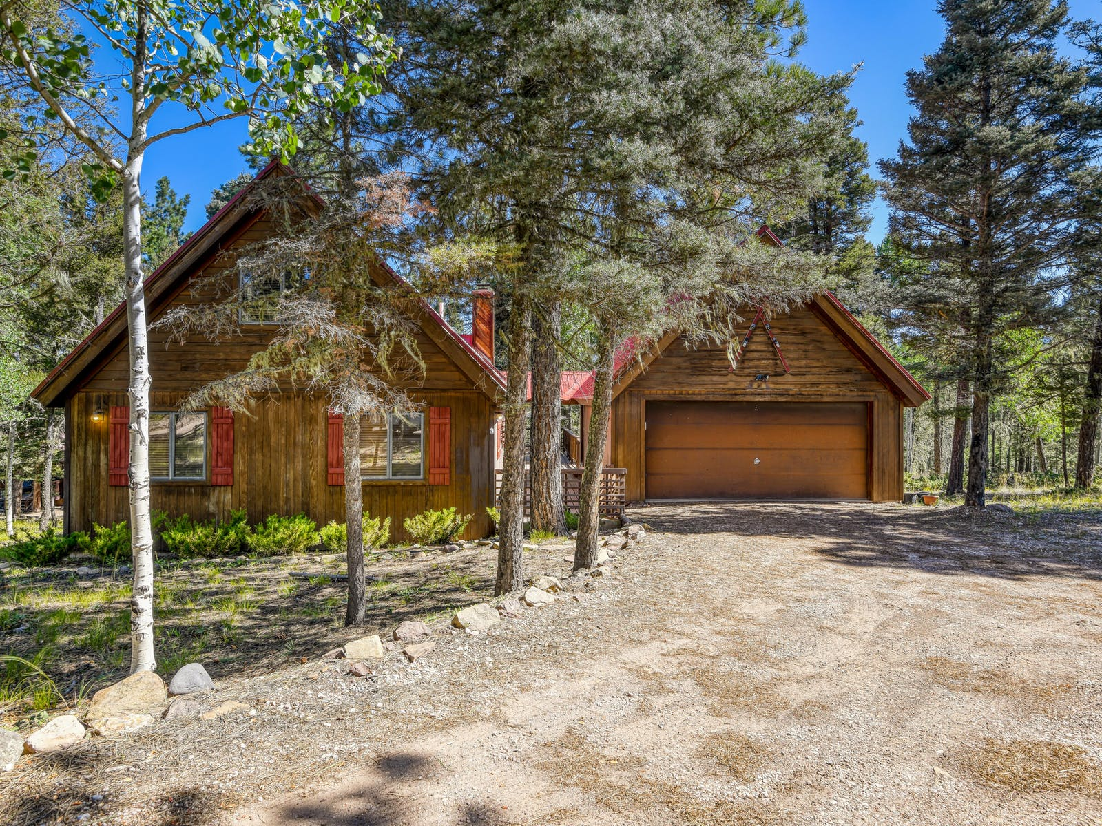 vacation cabin in Angel Fire, NN with garage