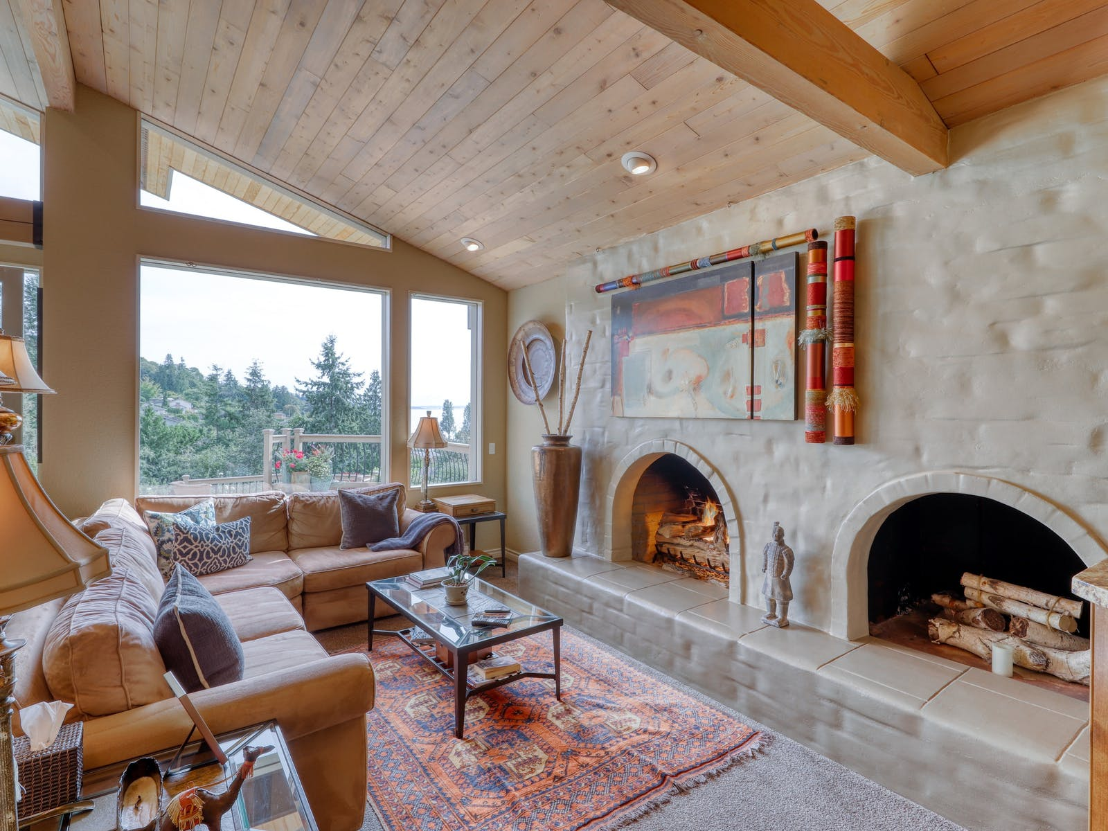 arched gas fireplace of Shoreline, WA vacation rental