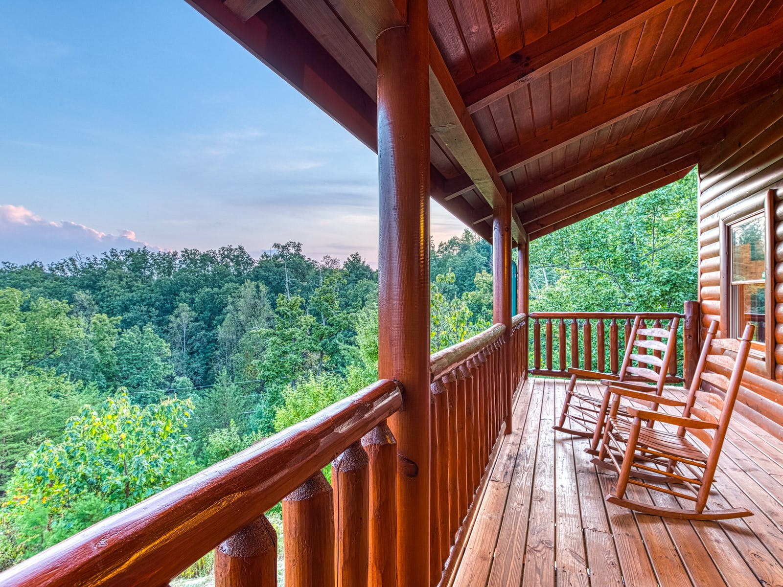 deck with rocking chairs at tennessee cabin rental