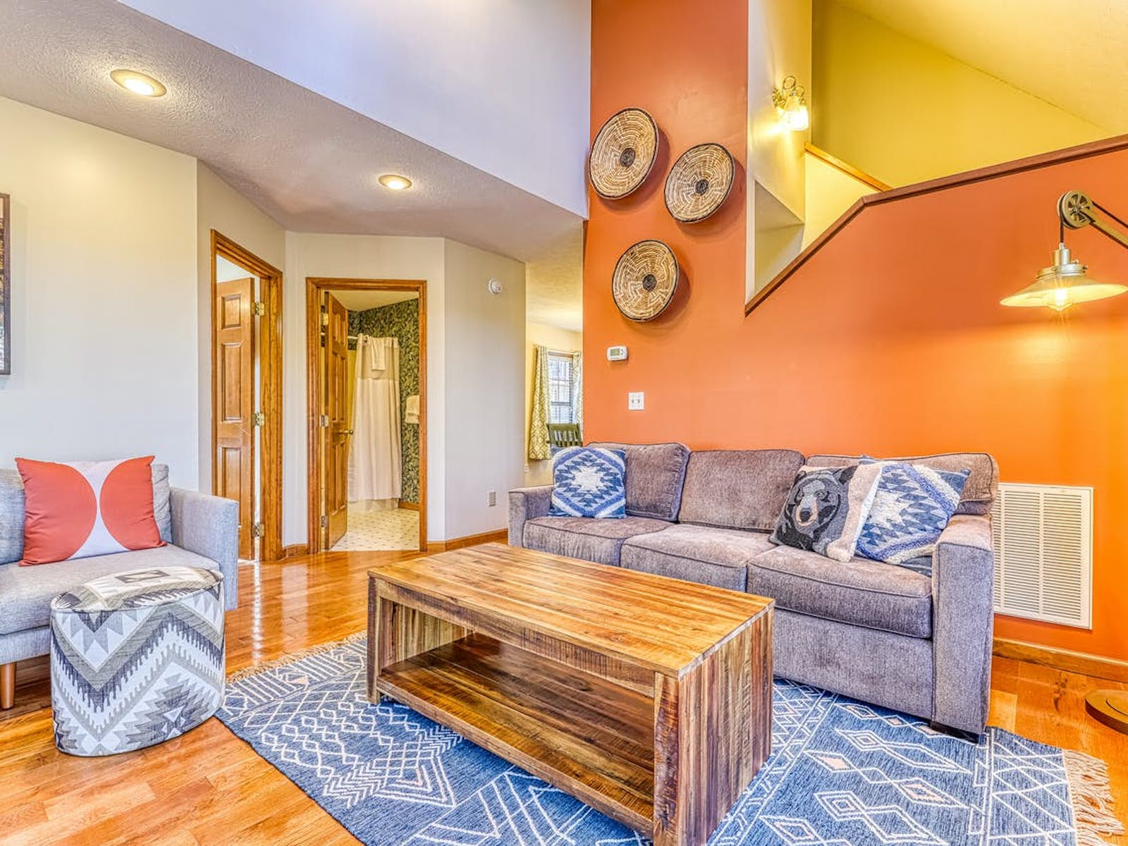 brightly colored living room of Pigeon Forge, TN vacation cabin