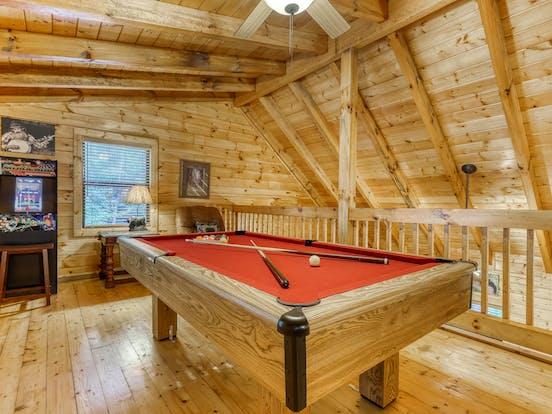 Pet-friendly cabin pool table in Gatlinburg, TN