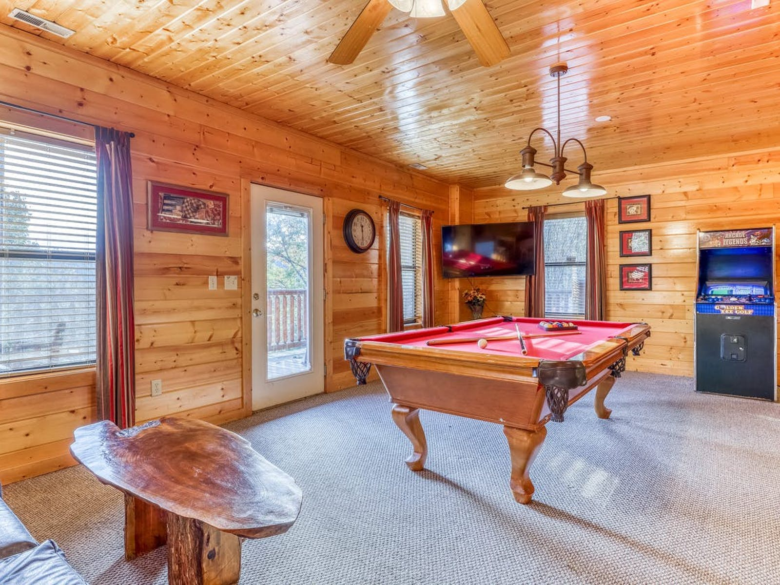 game room with pool table, arcade, tv and more of townsend, tn vacation cabin