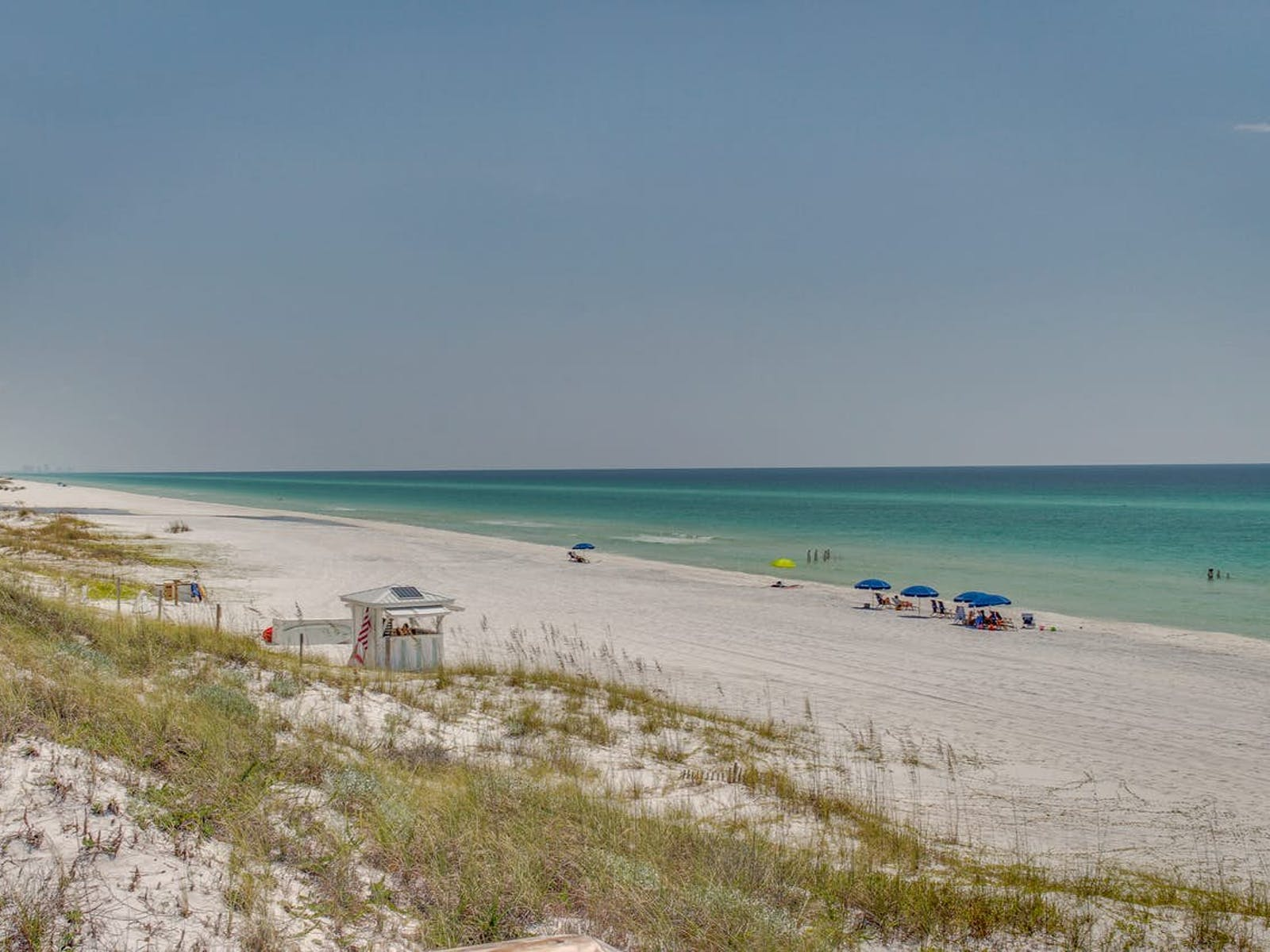 Beach located along the 30a highway in Florida
