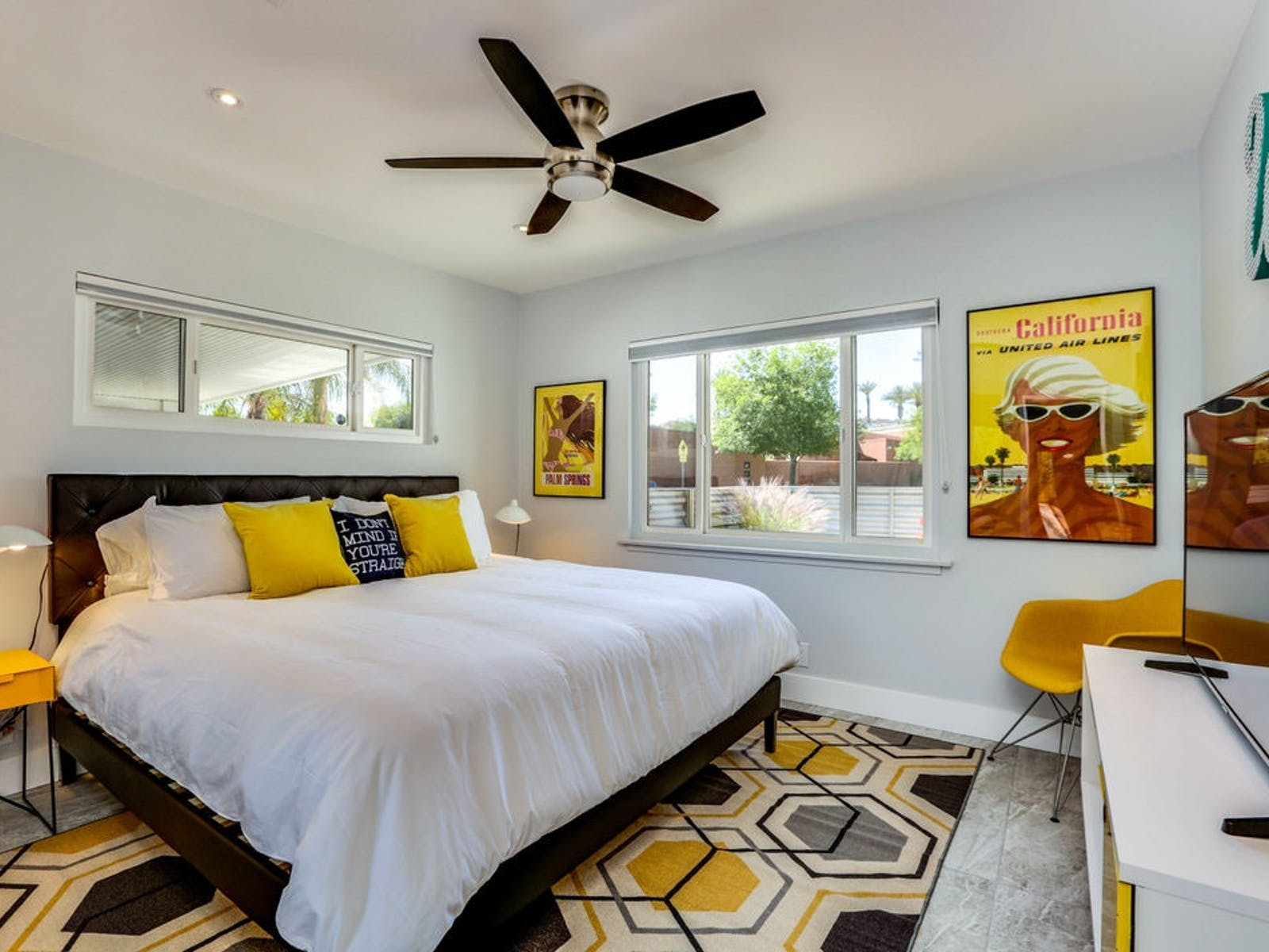 Palm Springs vacation rental with a patterned rug in yellow and gray