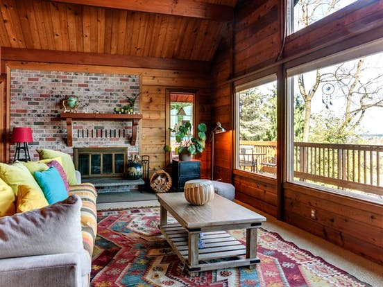 Vacation rental living area in Portland, OR