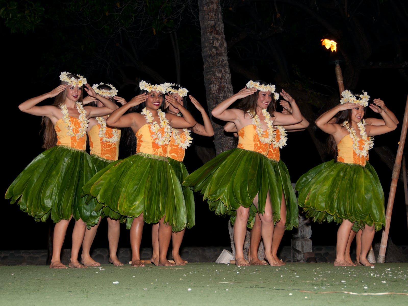 Maui Luau dancers. Image courtesy of Tavis Jacobs