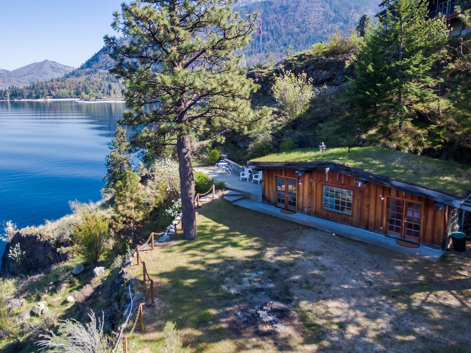 lake chelan cabin on the lake