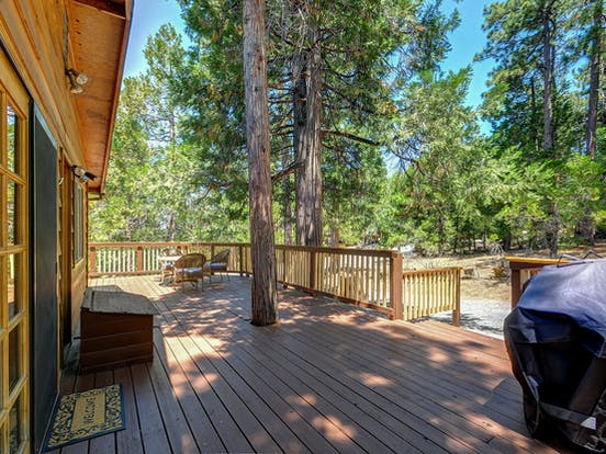 The patio of a cabin in Idyllwild, California