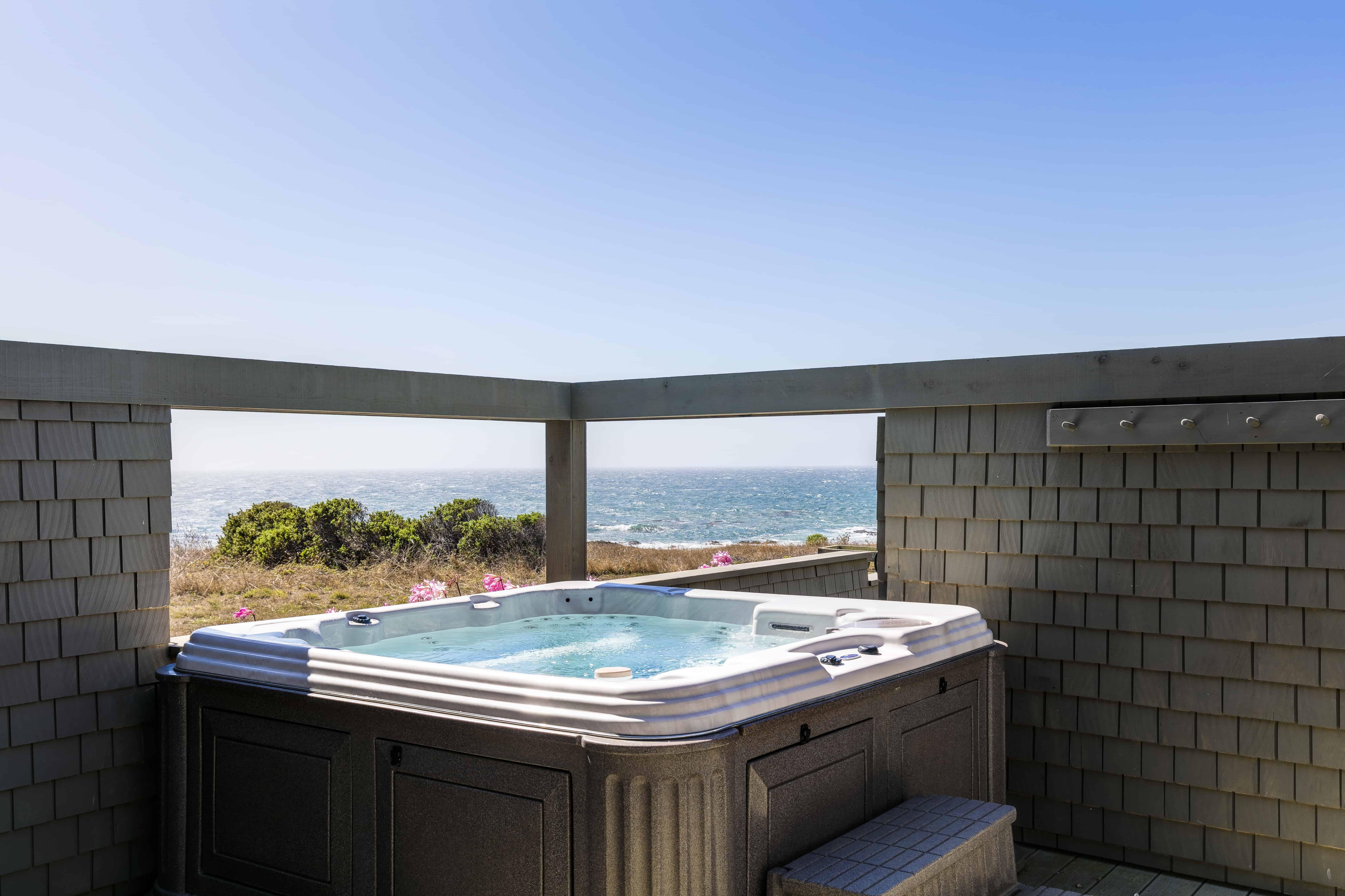 hot tub overlooking the ocean in sea ranch
